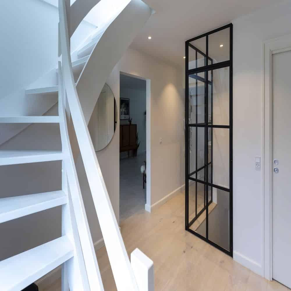 trappeløsning-trappe-new yorker væg trappe-newyorkervæg trappe-glasvæg-glasvaeg