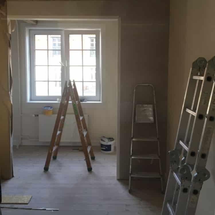 før og efter billede-renovering-bygningsprojekt