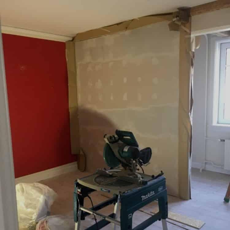 før og efter billede-renovering-renovering af lejlighed-byggeprojekt